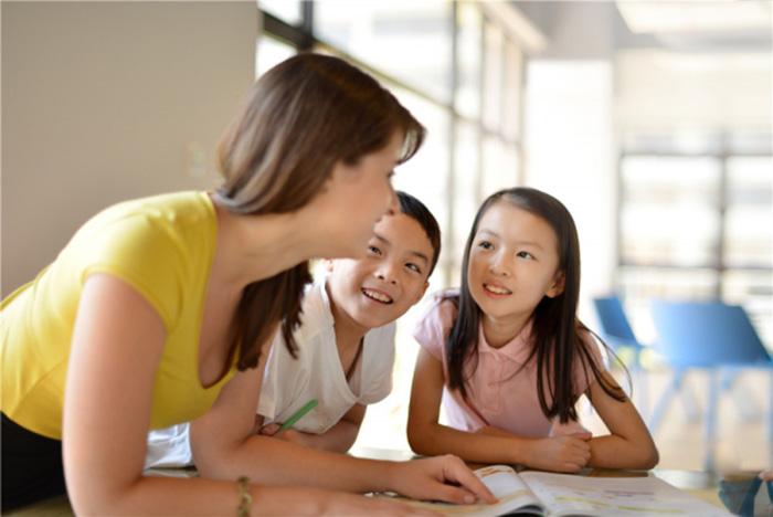 青岛少儿英语培训机构哪家好-有外教吗,来电咨询免费试听